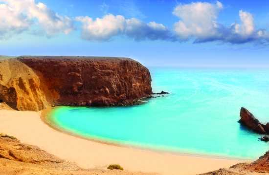 Beach & Market From Fuerteventura to Lanzarote